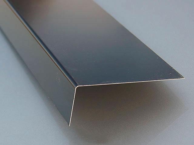 Plegado de aluminio para tejado de pizarra